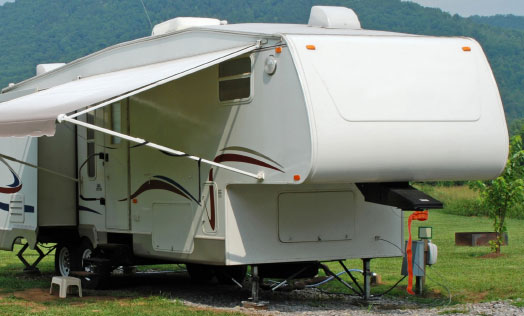 Hauling Fifth Wheel RV